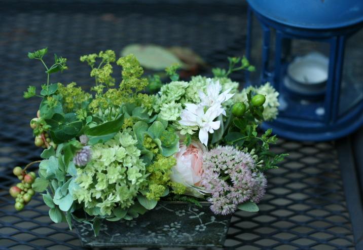 飯田橋ラ・ブラスリー様の装花 夏の終わり、秋のはじめ くすだまにあわせて _a0042928_22483556.jpg