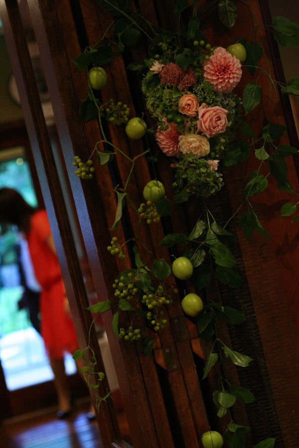 飯田橋ラ・ブラスリー様の装花 夏の終わり、秋のはじめ くすだまにあわせて _a0042928_22491216.jpg