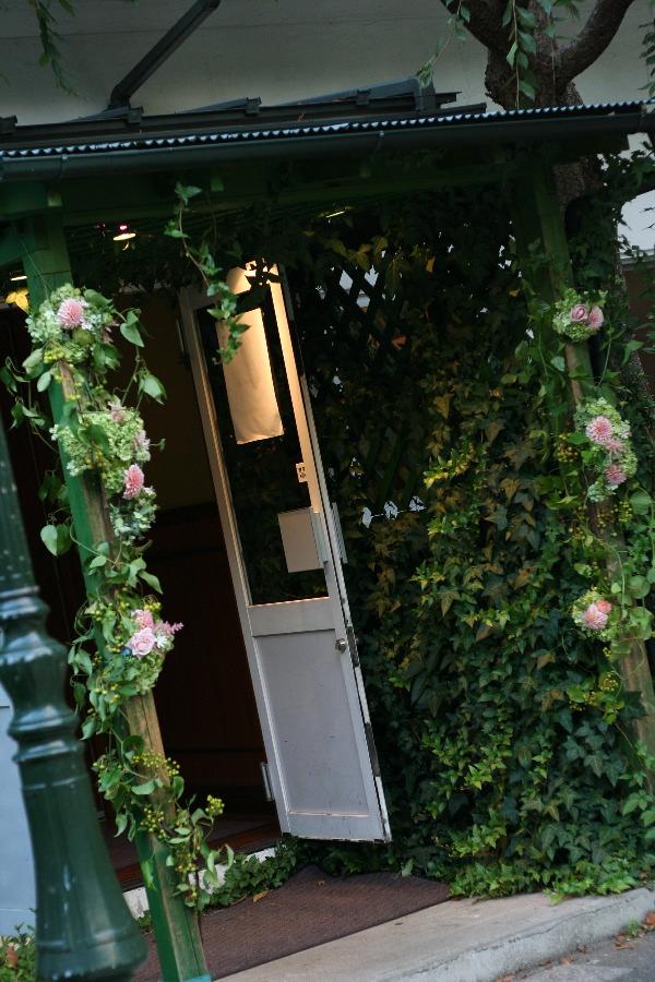 飯田橋ラ・ブラスリー様の装花 夏の終わり、秋のはじめ くすだまにあわせて _a0042928_22493374.jpg