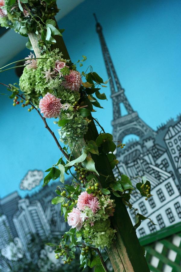 飯田橋ラ・ブラスリー様の装花 夏の終わり、秋のはじめ くすだまにあわせて _a0042928_22494183.jpg