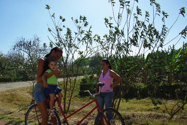 キューバ (56) サンティアゴ・デ・クーバからビランへ_c0011649_7354794.jpg