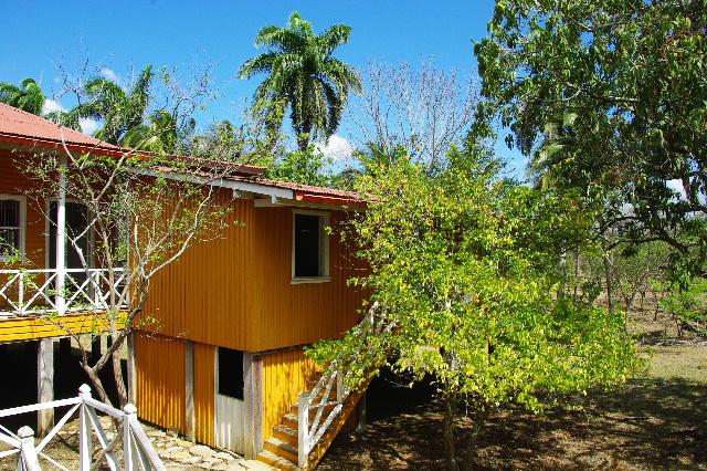 キューバ (57) フィデル・カストロの生家ビラン訪問_c0011649_2191061.jpg