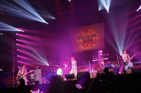 活動再開のアンカフェ、2年半ぶりのライヴでファンに「ただいま」 年末の東名阪Zeppツアーも発表_e0197970_2352315.jpg