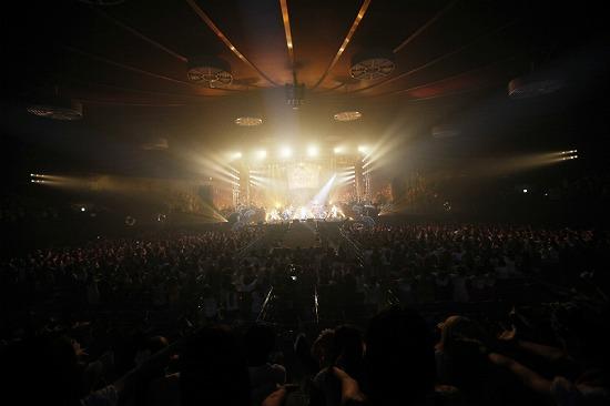 活動再開のアンカフェ、2年半ぶりのライヴでファンに「ただいま」 年末の東名阪Zeppツアーも発表_e0197970_23533145.jpg