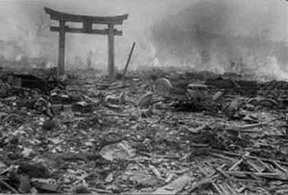 誰が何のために原爆をつくったのか by 鬼塚英昭_c0139575_4445419.jpg