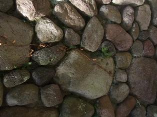 別府石の石垣は、立派なアート!_e0251278_12201870.jpg