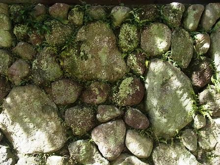 別府石の石垣は、立派なアート!_e0251278_12201972.jpg