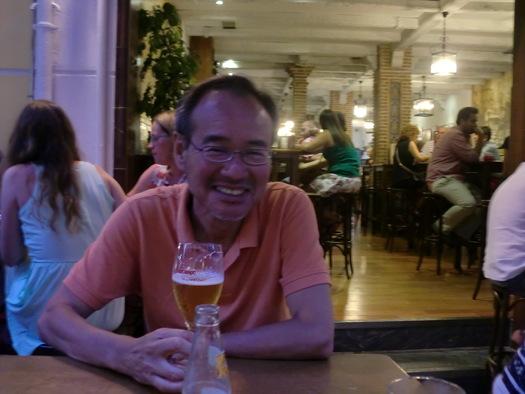 タパスと冷えたビールでしめなければ、暑い日も終われない。_d0085401_18331346.jpg