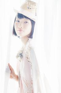 『ミス・マクロス30コンテスト』のグランプリに輝いたのは、現役女子大生の千菅春香_e0025035_20285255.jpg