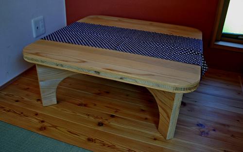 木取り家具の一端_d0082238_0294678.jpg