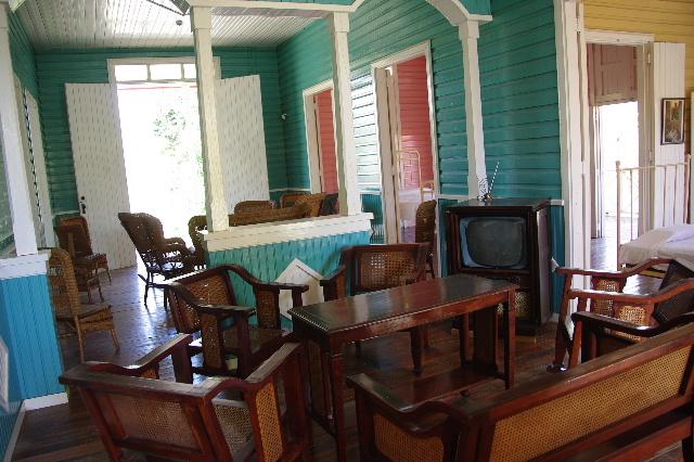 キューバ (57) フィデル・カストロの生家ビラン訪問_c0011649_6402918.jpg