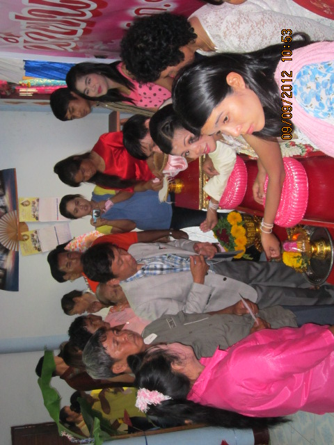 タイの庶民の結婚式_b0100062_13592648.jpg