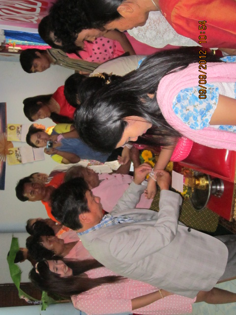 タイの庶民の結婚式_b0100062_13594529.jpg