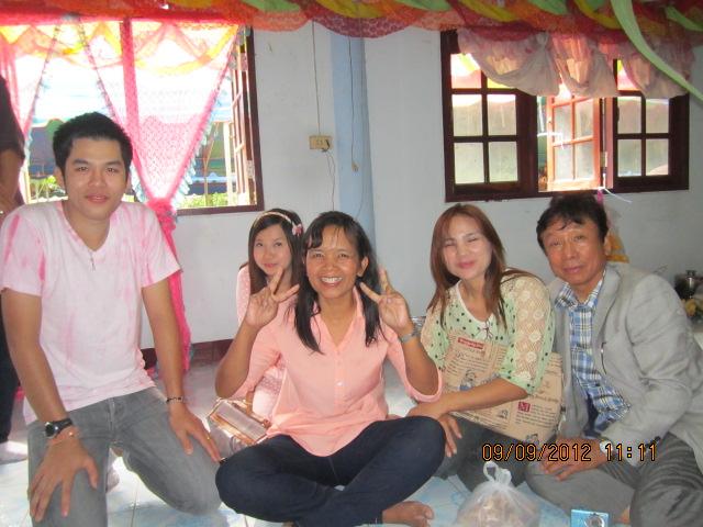 タイの庶民の結婚式_b0100062_1424488.jpg