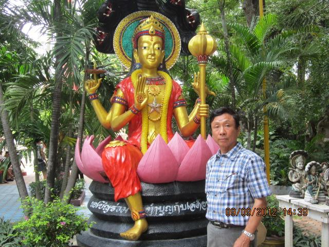 タイの庶民の結婚式_b0100062_1462720.jpg