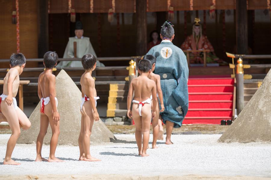烏相撲! 上賀茂神社_b0128581_21273438.jpg