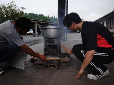 炊き出し訓練を実施。_a0154110_11222384.jpg