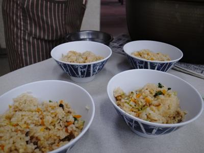 炊き出し訓練を実施。_a0154110_1122506.jpg
