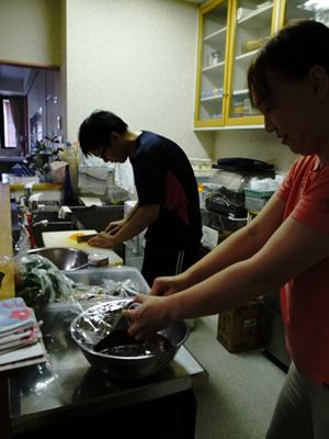 炊き出し訓練を実施。_a0154110_11243648.jpg
