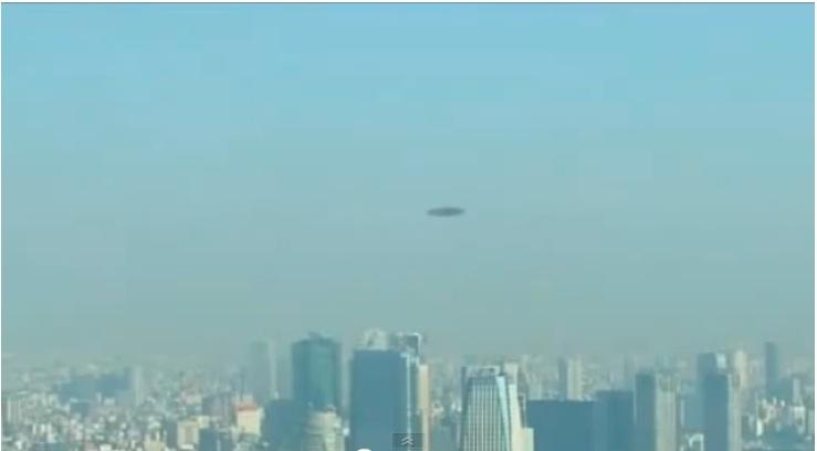 昨日東京上空でUFOデクロークか?:ついに来たか?_e0171614_21162561.jpg