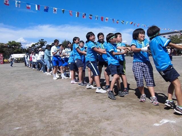 富士山初冠雪! でもここは灼熱の南の国? 今泉地区体育祭_f0141310_724327.jpg