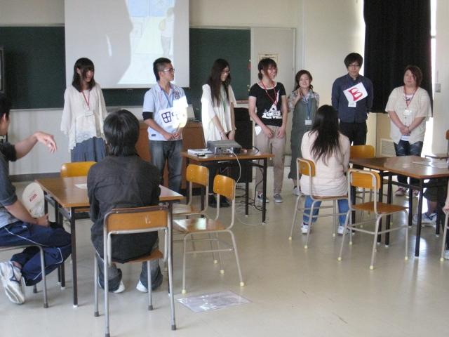 新潟県立翠江高等学校において「女はズボン!?男はスカート!?」のワークショップを実施しました。 _c0167632_172424.jpg