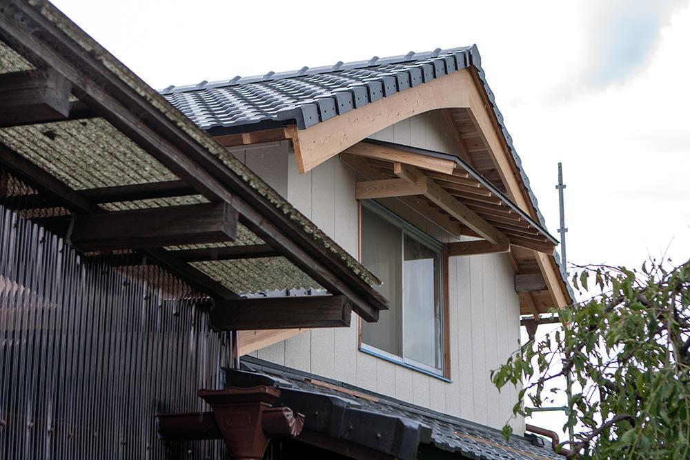 大型納屋の雨漏り対策と補強 〜その2〜_a0163962_9331112.jpg