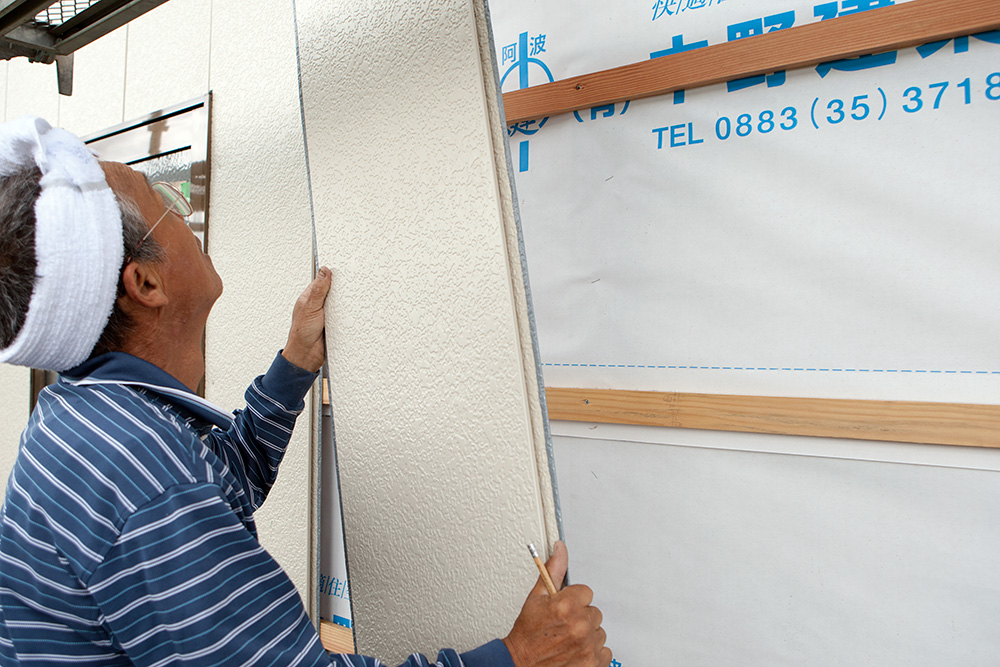 大型納屋の雨漏り対策と補強 〜その2〜_a0163962_9331270.jpg