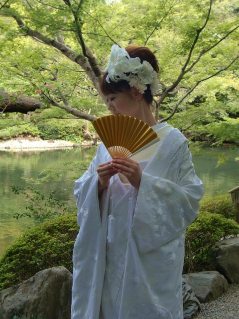 白無垢のヘッドドレス ユリのメリアの髪飾り 八芳園様へ_a0042928_0511311.jpg