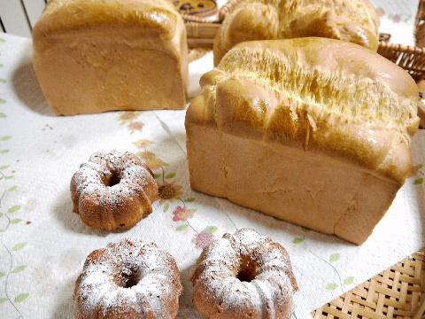 素敵なパン教室 ;楽しい壁掛け作り_e0086864_2383645.jpg