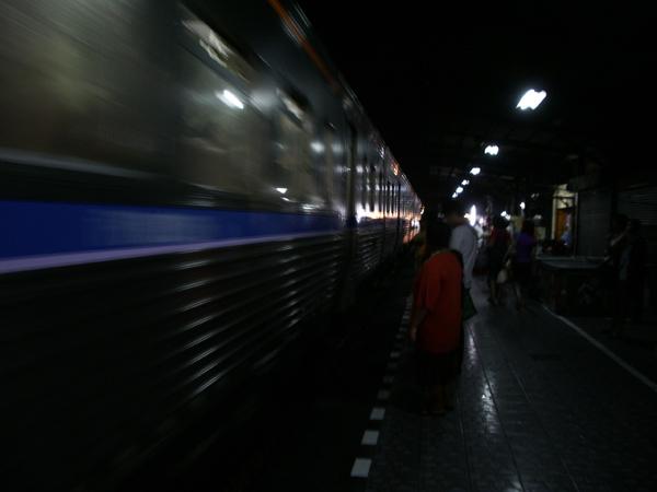 二等寝台列車に揺られて_b0131470_22133324.jpg
