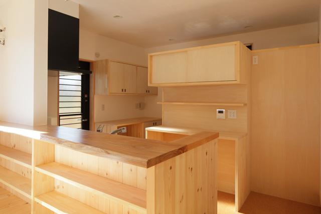 I型キッチン+大工さん工事:アイデアボックス第11回_a0117794_13315389.jpg