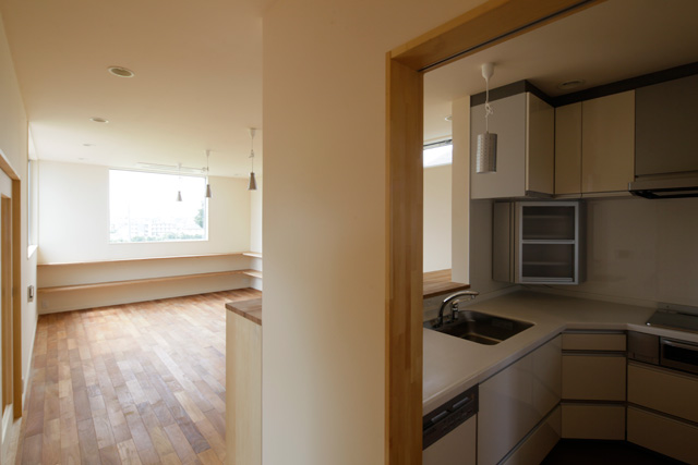 I型キッチン+大工さん工事:アイデアボックス第11回_a0117794_13353928.jpg