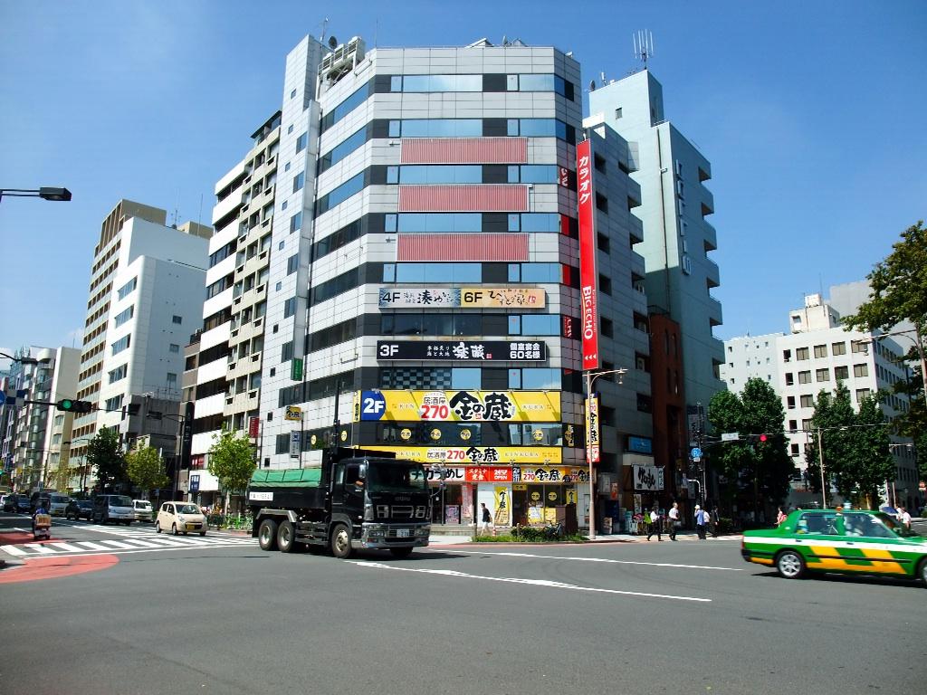 茶荘への道のり〜人形町交差点_b0151300_1047466.jpg
