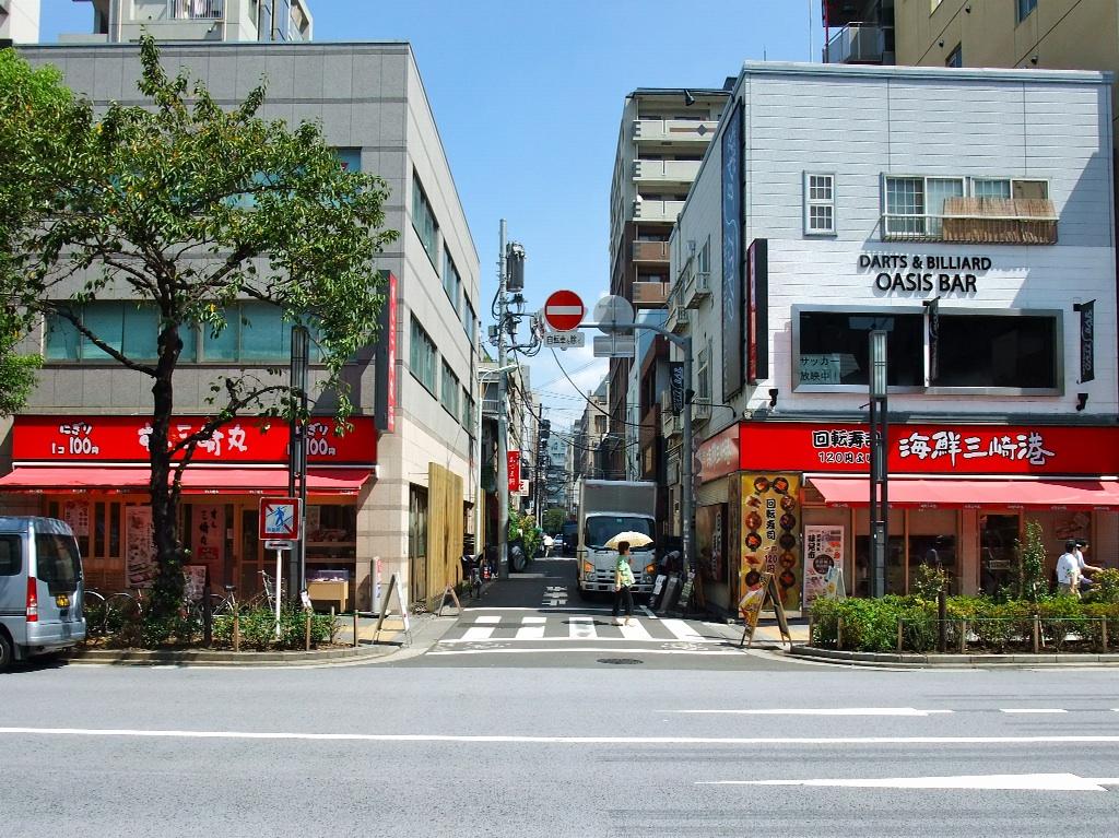 茶荘への道のり〜人形町交差点_b0151300_1131953.jpg