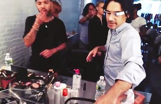 グーグル・メガネで撮ったモデルさん目線のファッション・ショー映像_b0007805_9521598.jpg