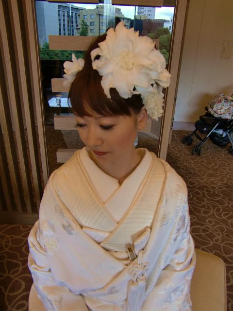 白無垢のヘッドドレス ユリのメリアの髪飾り 八芳園様へ_a0042928_0512277.jpg