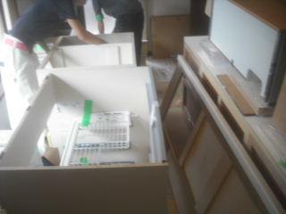 緊急工事・・・キッチン_f0031037_19235752.jpg