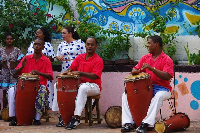 キューバ (64) カーニバル博物館のアフロ・キューバン・ダンス_c0011649_23165044.jpg