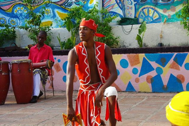 キューバ (64) カーニバル博物館のアフロ・キューバン・ダンス_c0011649_23212084.jpg