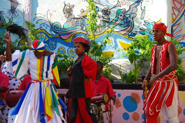 キューバ (64) カーニバル博物館のアフロ・キューバン・ダンス_c0011649_23225846.jpg