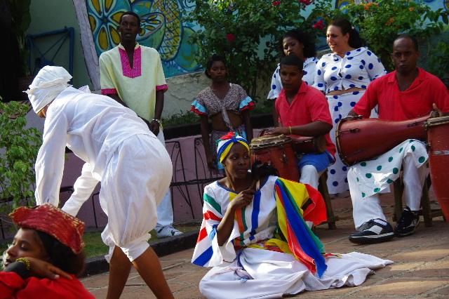 キューバ (64) カーニバル博物館のアフロ・キューバン・ダンス_c0011649_23263439.jpg