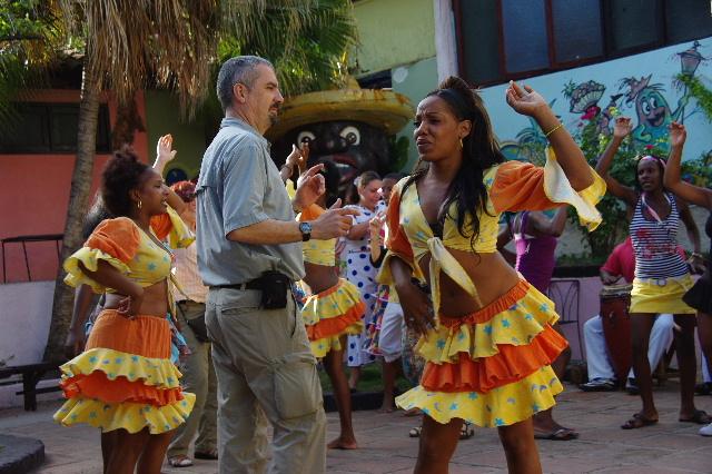 キューバ (64) カーニバル博物館のアフロ・キューバン・ダンス_c0011649_2331130.jpg