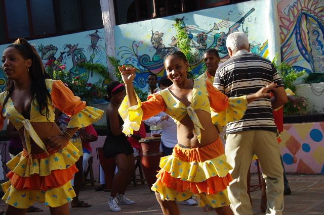 キューバ (64) カーニバル博物館のアフロ・キューバン・ダンス_c0011649_23313321.jpg