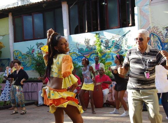 キューバ (64) カーニバル博物館のアフロ・キューバン・ダンス_c0011649_23364834.jpg