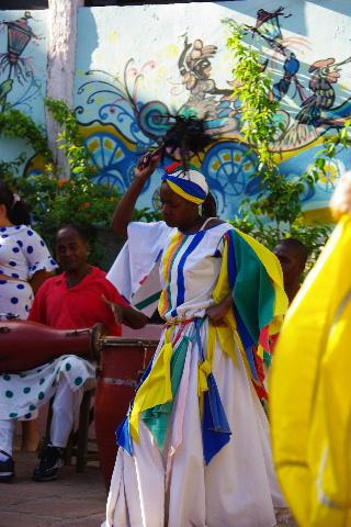 キューバ (64) カーニバル博物館のアフロ・キューバン・ダンス_c0011649_23375941.jpg