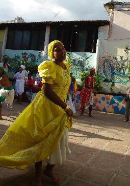 キューバ (64) カーニバル博物館のアフロ・キューバン・ダンス_c0011649_23452260.jpg