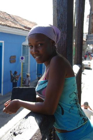 キューバ (63) カーニバル博物館とスタッフとダンサー_c0011649_5552649.jpg
