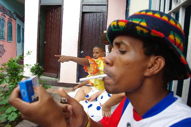 キューバ (63) カーニバル博物館とスタッフとダンサー_c0011649_61113.jpg