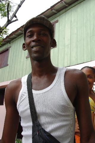 キューバ (63) カーニバル博物館とスタッフとダンサー_c0011649_62549.jpg